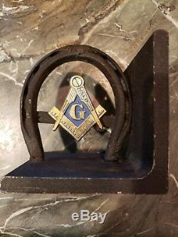 Vintage FREE MASONS MASONIC Metal Horseshoe Bookends with Insignia Attached